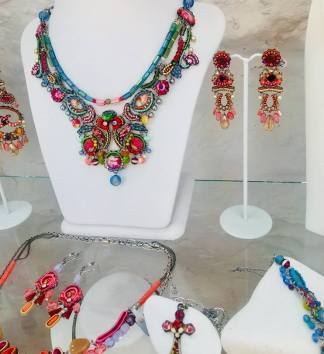 oia necklaces